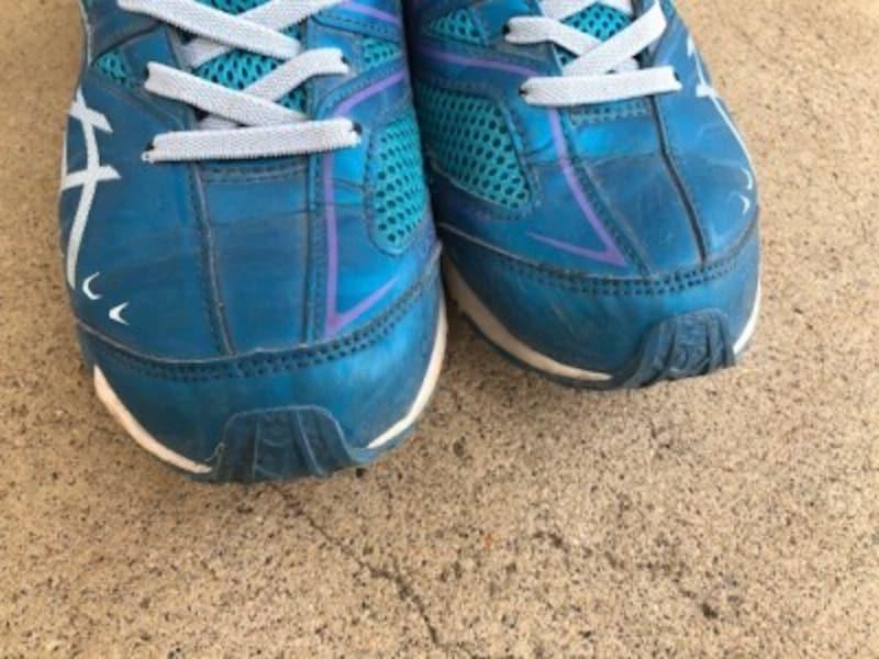 靴の爪先はダメージを受けやすい