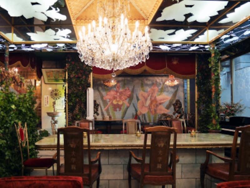 オーキット特別室は店内の奥に設けられています