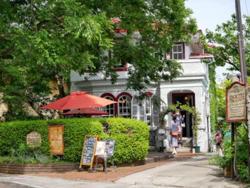 昭和2年に建てられた洋館を利用したカフェ「えの木てい」