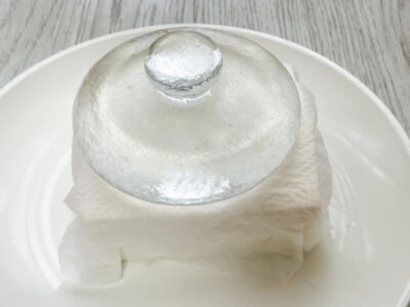 重しを使った豆腐の水切り