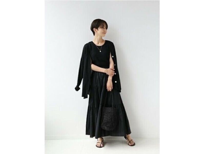 通気性のよさそうなロングスカートは夏コーデにぴったり 出典:WEAR