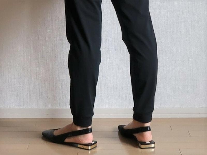 【NG】裾が絞られているパンツは、熱がこもりやすく暑いです