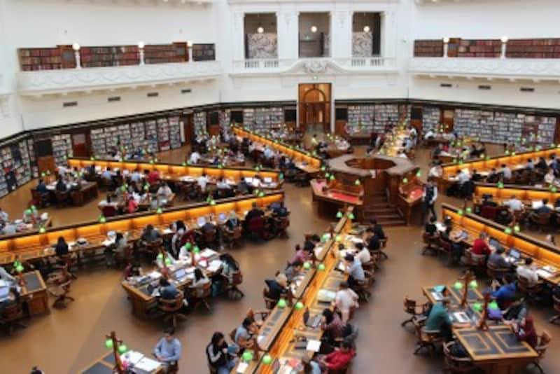 急増する海外大学進学者