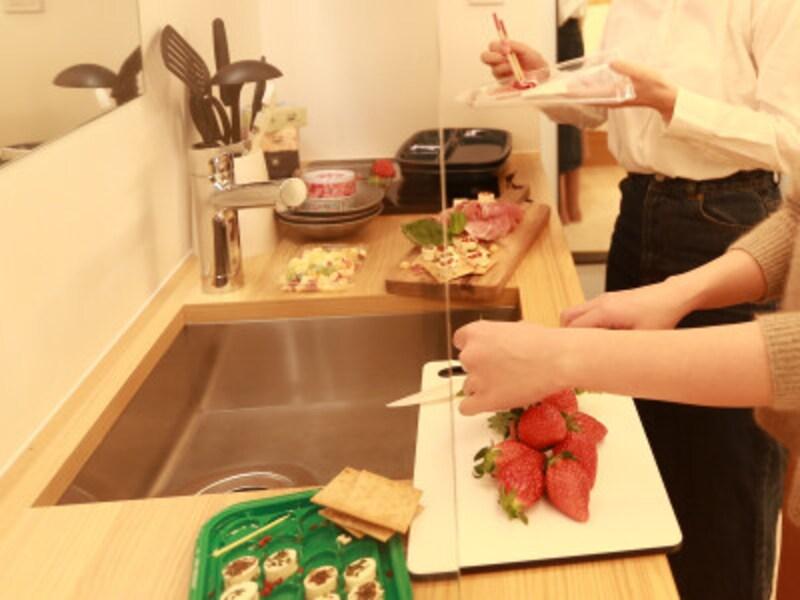 ちょっとした調理ができるキッチン。IHクッキングヒーター付き