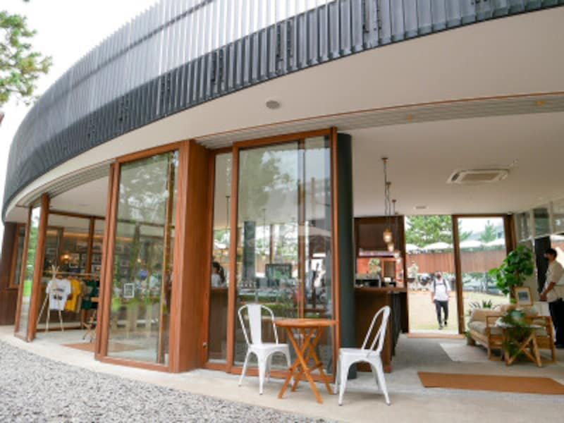 「ツリーランドサークル」のカフェ「GOODMANSTANDandSON」