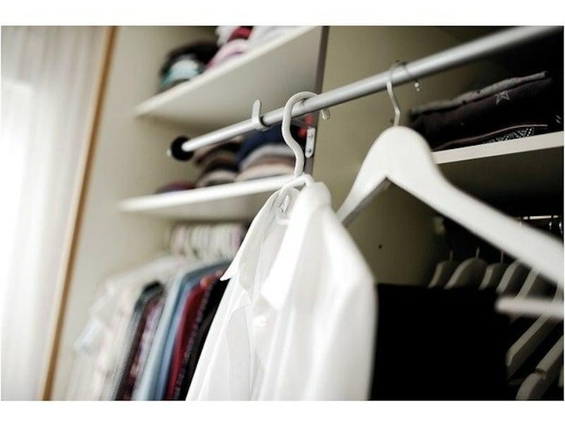ついつい増えてしまう洋服は、秋冬の衣替えの前に整理するのがおすすめです