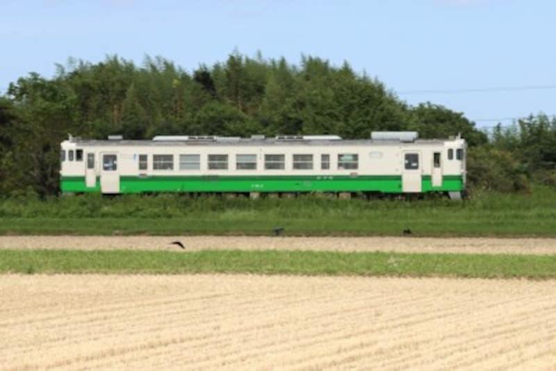 定期列車として走り始めたキハ402