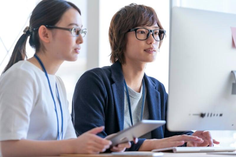 インターン,就活,就職活動,無給インターン,有給インターン,アメリカ,日本,やりがい搾取,就活生,学生インターン,インターン制度