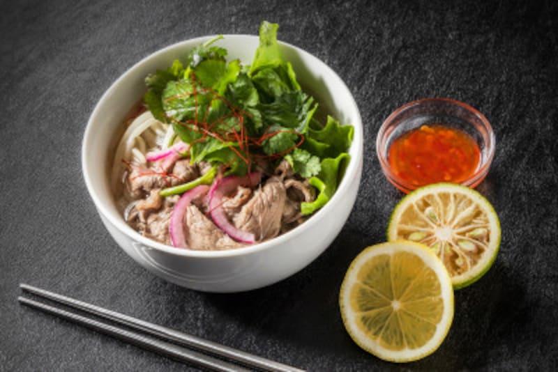 ベトナムの国民食フォー(米麺)。