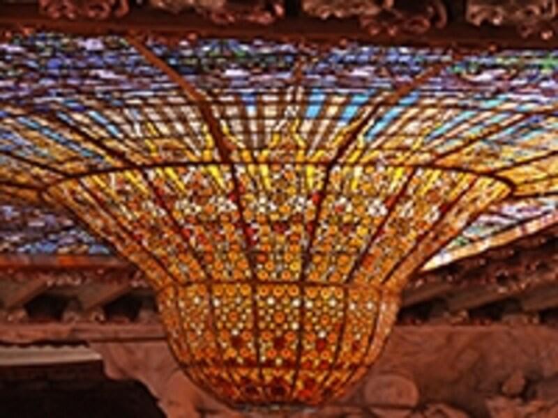カタルーニャ音楽堂の立体ステンドグラス