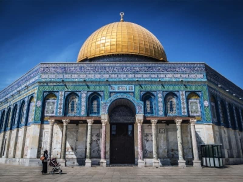 「エルサレム旧市街とその城壁」、神殿の丘にたたずむ聖地・岩のドーム