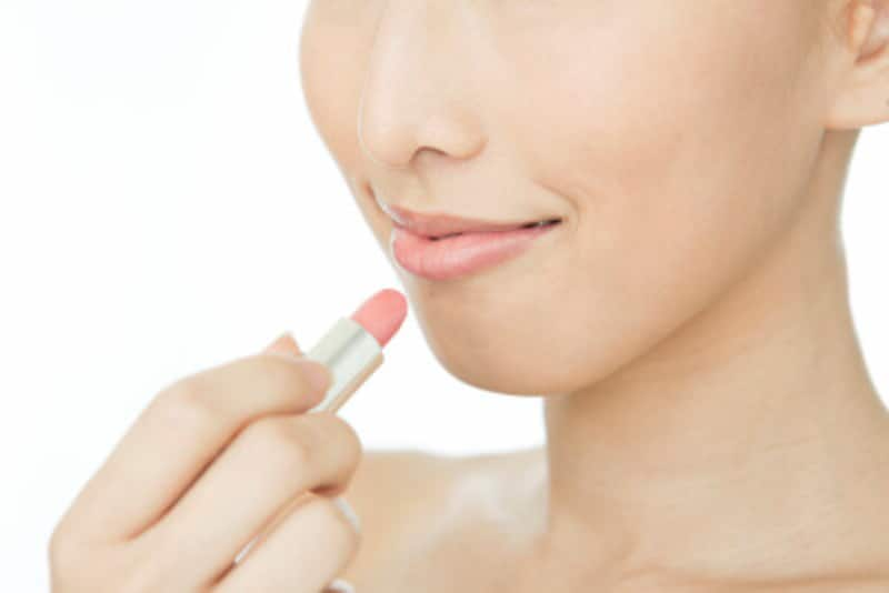 究極のモテ色=ピンクの唇は愛らしい雰囲気。