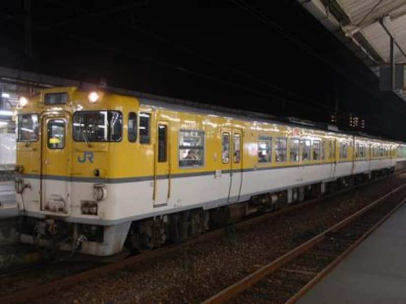 夜の普通列車