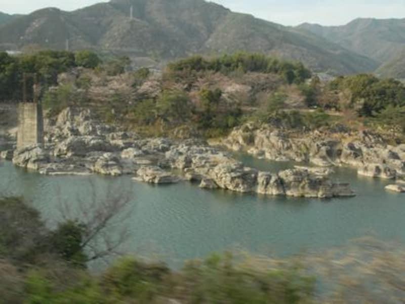 四国・吉野川の車窓