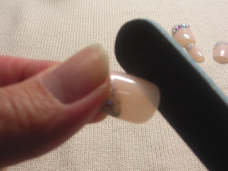 ネイルチップ(付け爪)の正しい付け方・外し方! [ネイルアート