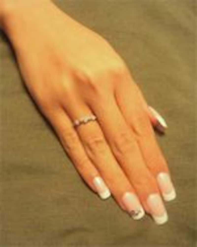 美しい手元を爪で仕上げる