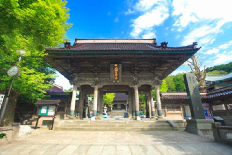 山門と高龍寺