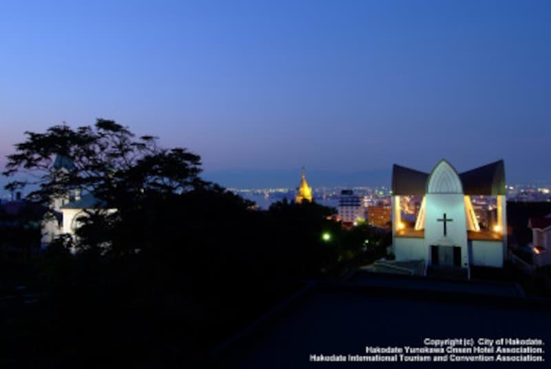 教会や西洋建築が多い元町エリア。夕方からはハリストス正教会や函館聖ヨハネ教会などがライトアップされる