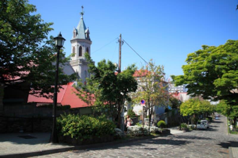 カトリック元町教会と大三坂