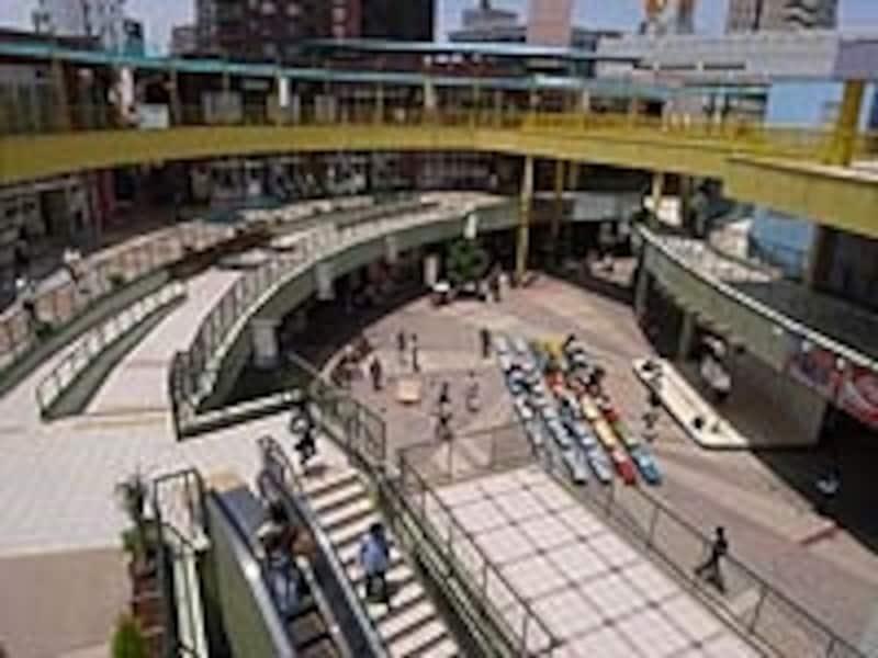グルメ&ショッピングの商業施設「アスナル金山」