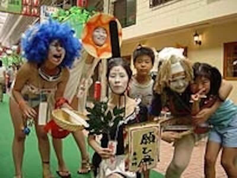 大須復興のシンボル的イベント「大須大道町人祭」は毎年10月開催