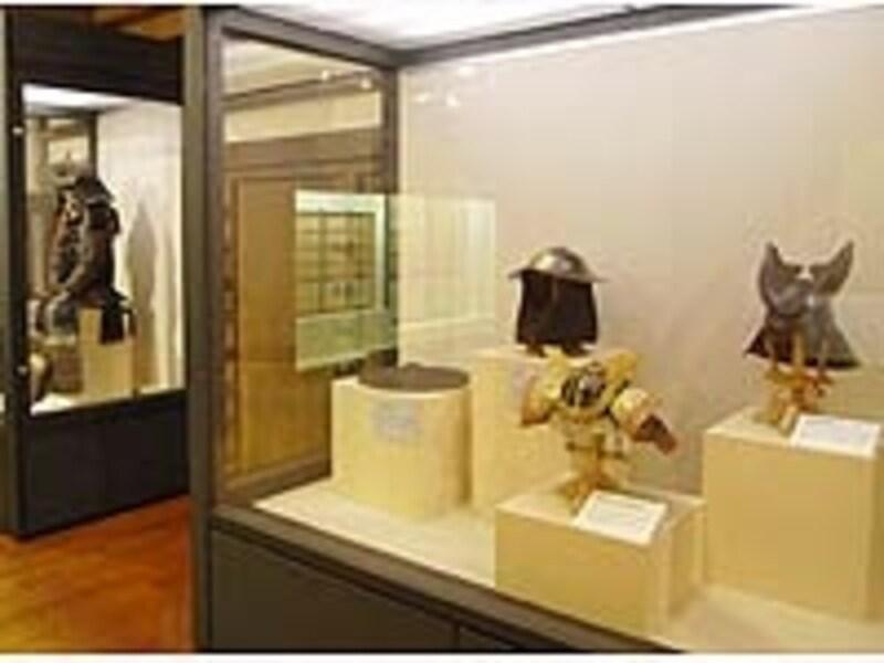 城内には武具甲冑をはじめ展示物が充実