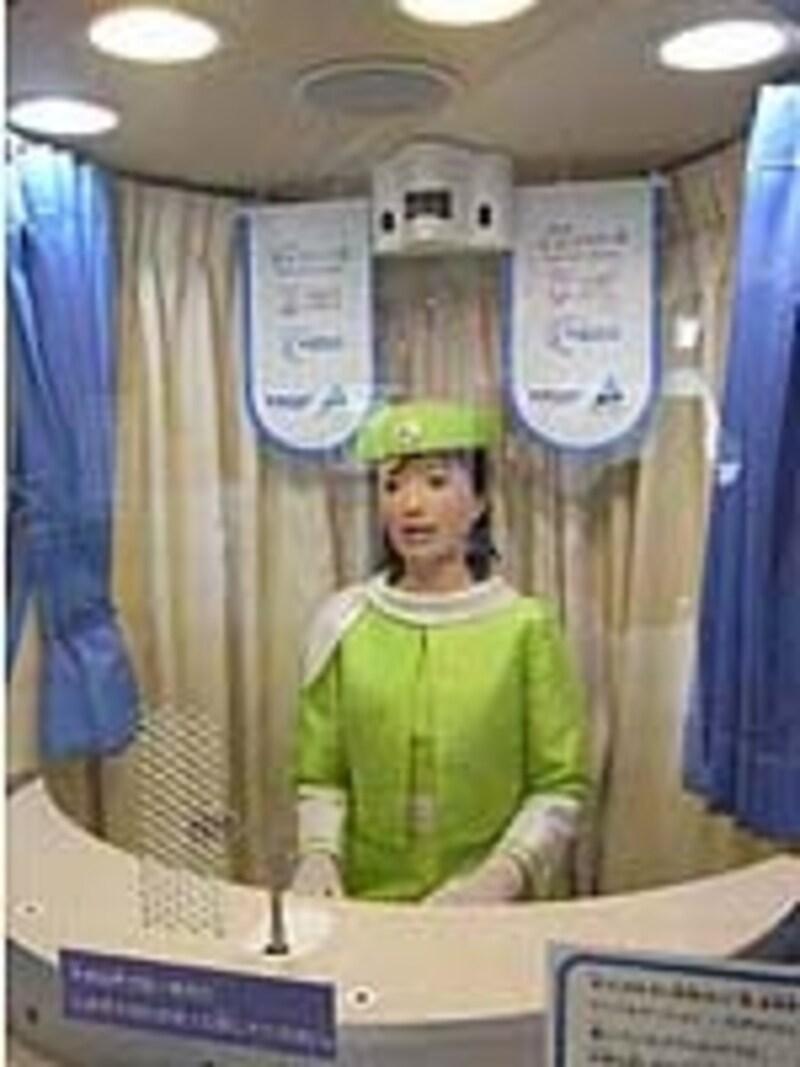 会話もできる愛知国際児童年記念館のガイドロボット