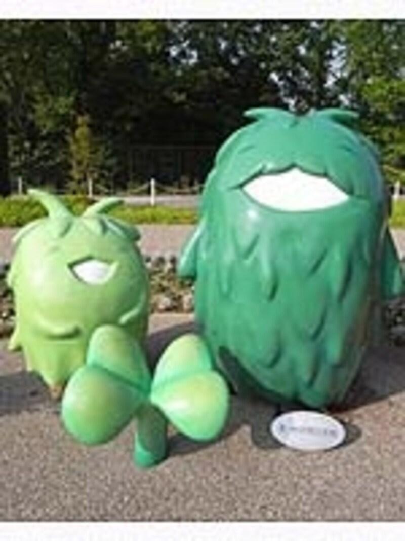 愛・地球博記念館前のモリゾーとキッコロは一番の記念撮影ポイント