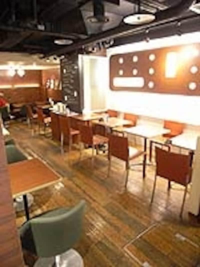 「カフェundefinedアヴァーブ」。こんなおしゃれなカフェにも隠れ名古屋メシが!