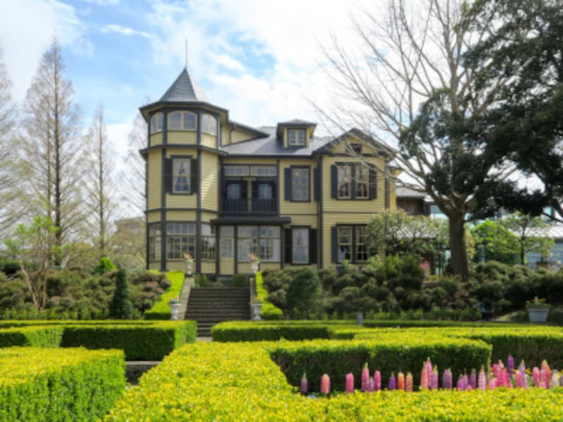 幾何学模様の洋風庭園が美しい、外交官の家(2017年4月7日撮影)