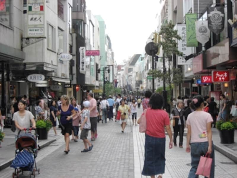 横浜ならではのブランドが並ぶ、元町ショッピングストリート