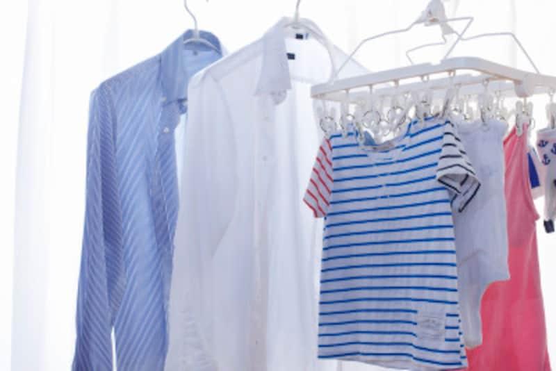 部屋干しは乾燥機や除湿器で温度、湿度、風のコントロールがポイント。