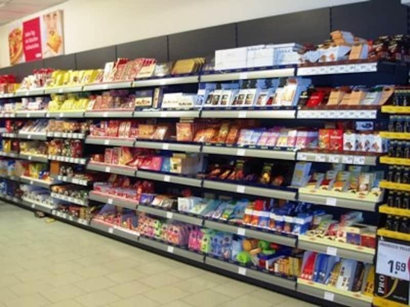 スーパーマーケット、レーヴェのお菓子コーナー