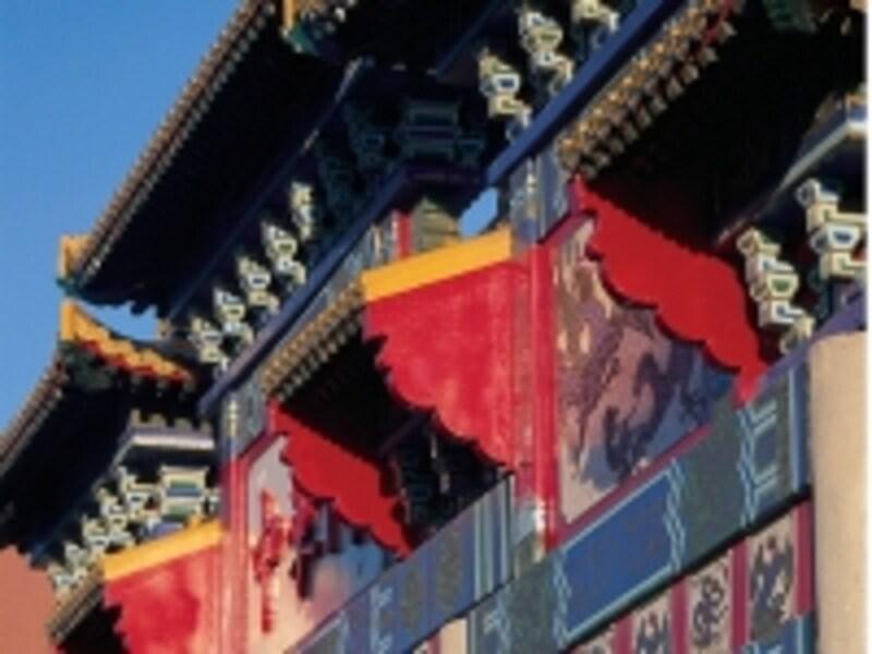 チャイナタウンの入り口にある中華門undefined写真提供:TourismBC