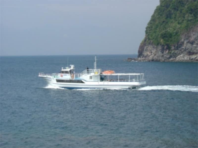 沼津と戸田・土肥を結ぶ高速船「ホワイトマリン」