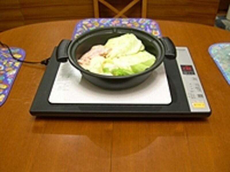 コンロ本体が、鍋より2回り位大きいので、テーブルが狭くなってしまうのが玉に瑕