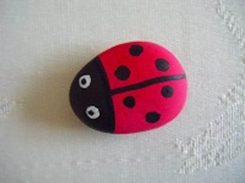 石ころアート昆虫