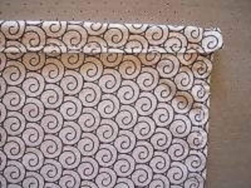 手ぬぐい巾着袋の作り方手順7:折り返したひも通し口を、筒状になるように並み縫いする