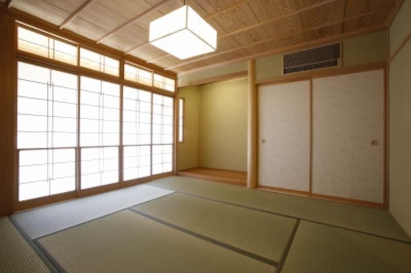 汚部屋の床が畳やカーペットの場合、掃除機が不可欠。なるべく吸引力の高いもので