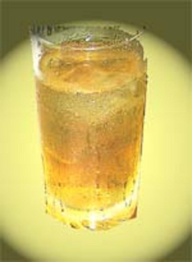 水割りのグラスを