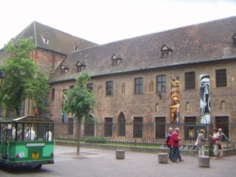 コルマールの観光名所の一つ、ウンターリンデン美術館
