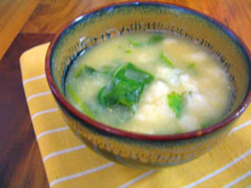 とろろ芋とほうれん草のあったか味噌汁