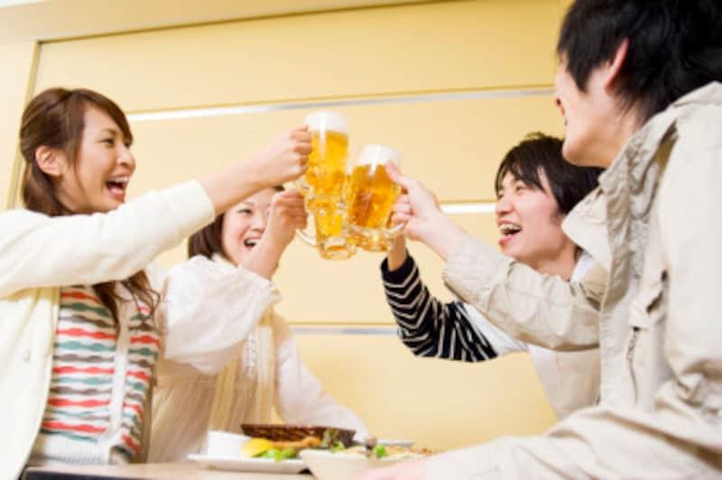 「ウィハヨ!」の意味は「あなたのために~」。ただの「乾杯」よりも温かさがあります。