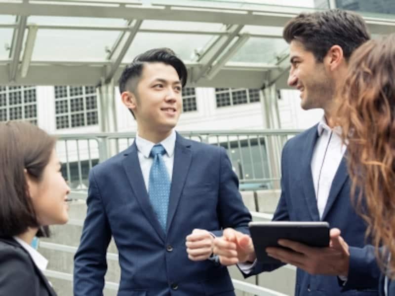 海外で働くために役立つ資格とは?