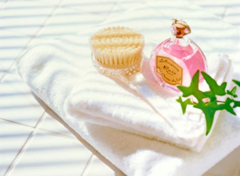 バスソルトは注意⁉入浴剤がお風呂を傷める理由と傷めない方法