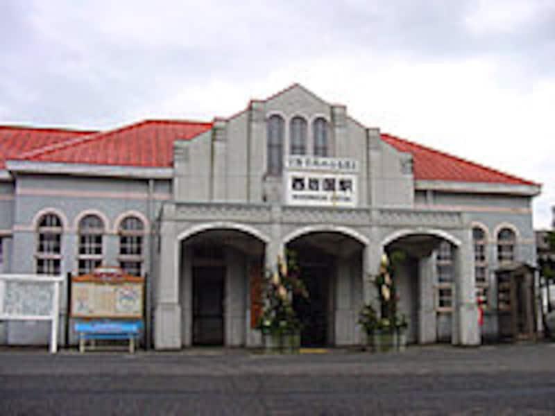 西岩国駅舎