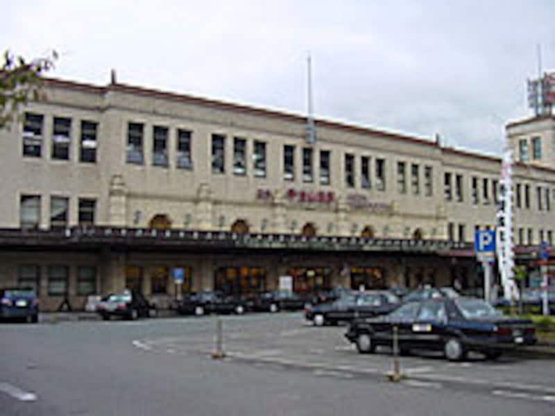 宇治山田駅舎