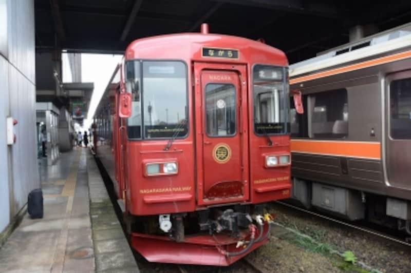 観光列車「ながら」