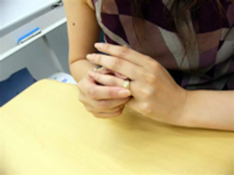 男性から見たドキッとする女性の手の仕草