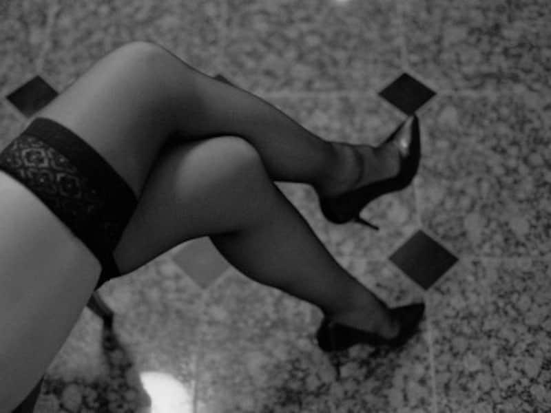 ニューハーフの高い美意識で美脚が維持されている
